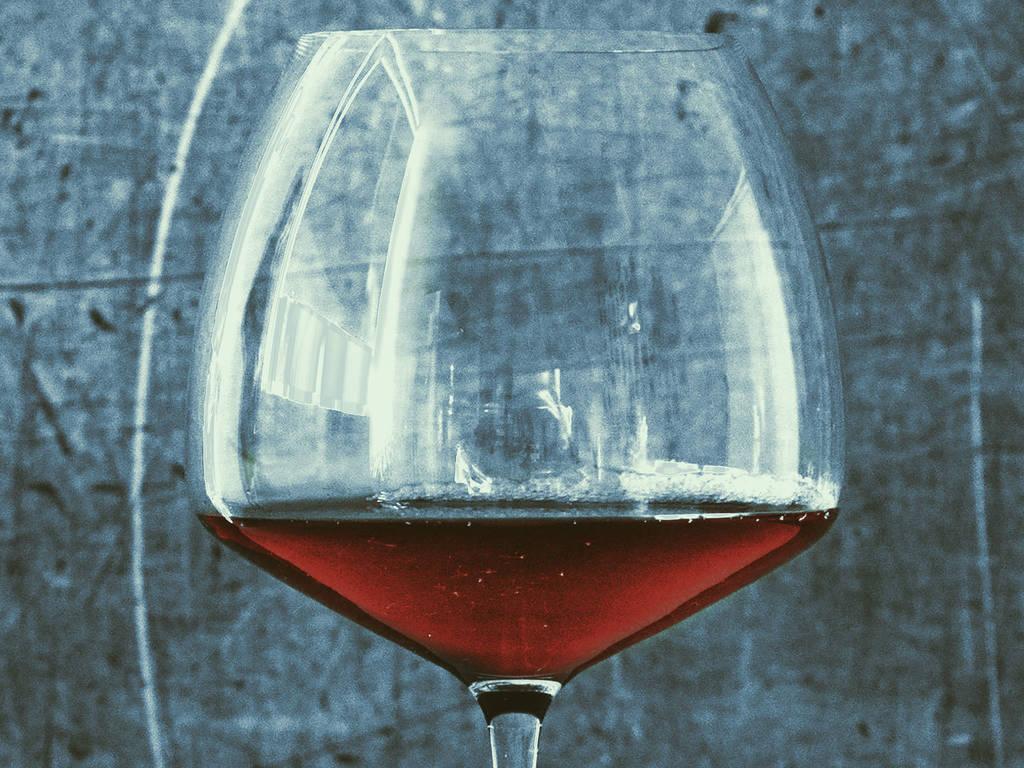 Ein bisschen im Glas und ein bisschen im Topf: 17 Rezepte mit Wein