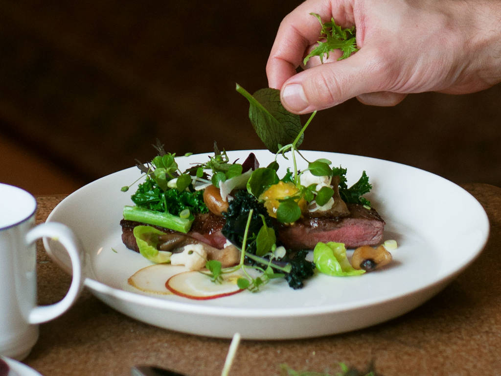 7 Tips for Artfully Plating Food