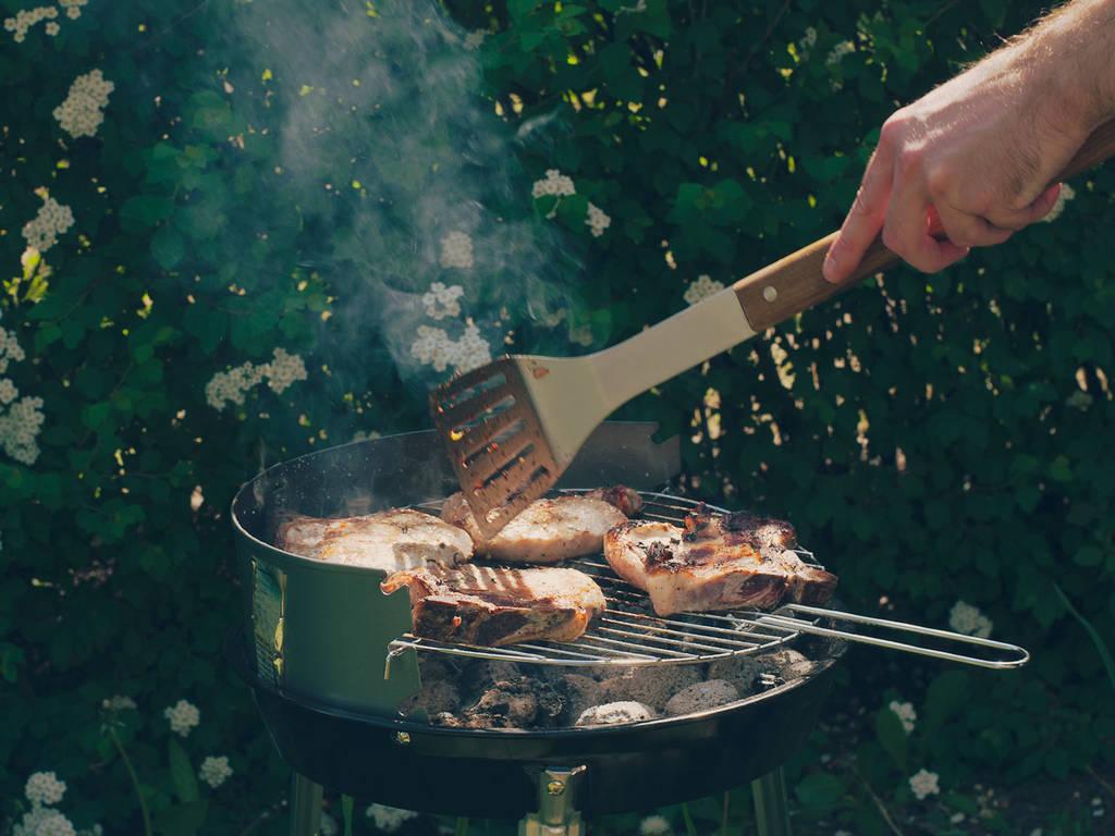 5 unverzichtbare Werkzeuge für jeden Grillmeister