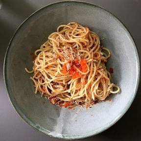 Aglio olio with crab and fish roe