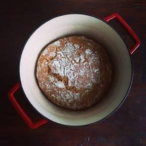 No-knead Dutch bread