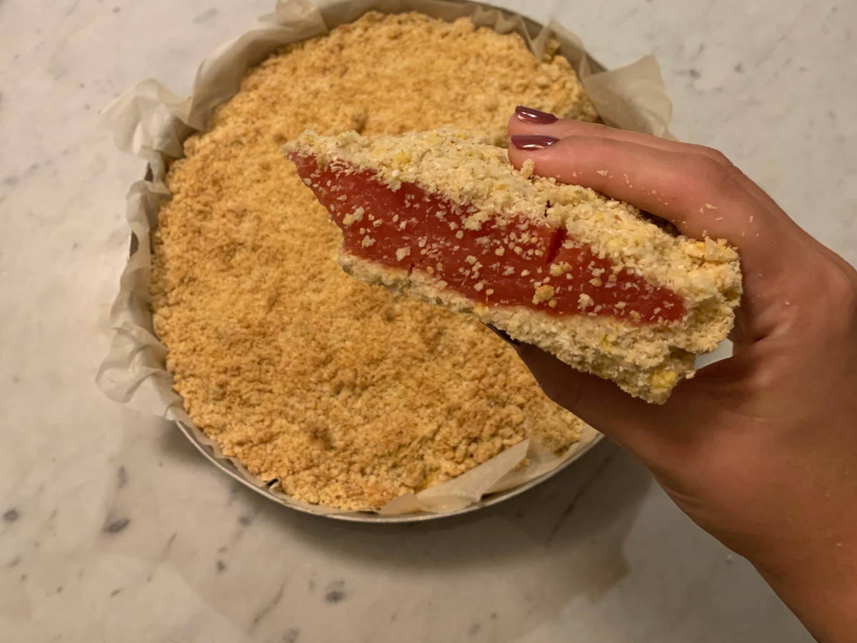Coconut crumbly cake with watermelon jam