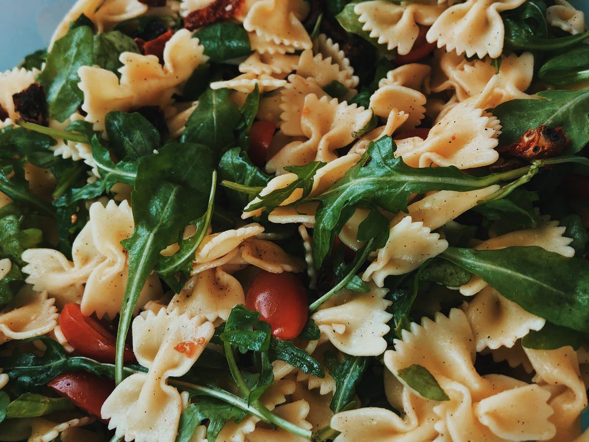 Tomaten Rucola Nudelsalat