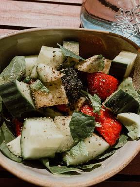 Erdbeer-Avocado Salat