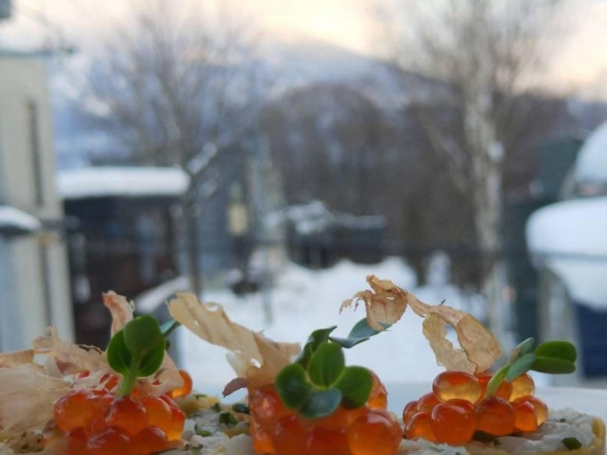 青柚鲑鱼籽饭团