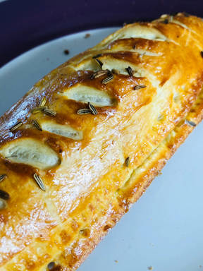 Apple and fennel Sausage roll