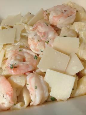 Simo's Salmon Shrimp Pasta
