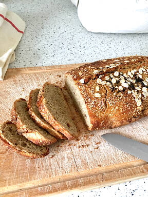 No Knead Oat & Date Bread