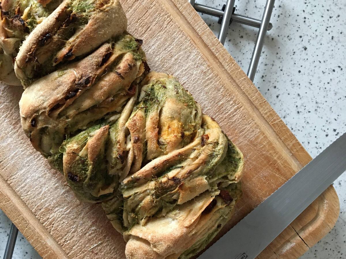 Babka-Bread with Sun-dried Tomato & Spinach Pesto