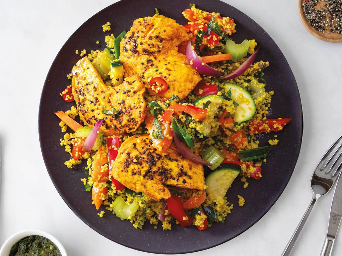 Kurkuma Hähnchen mit Gemüse-Couscous