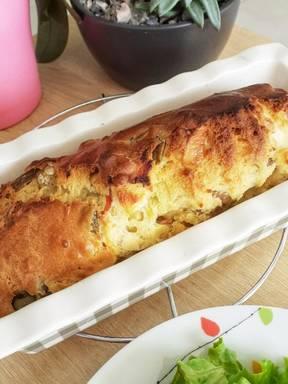 Olive, cheese and ham cake
