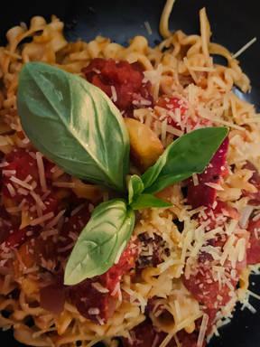 Sucuk sausage pasta with Turkish tomato paste