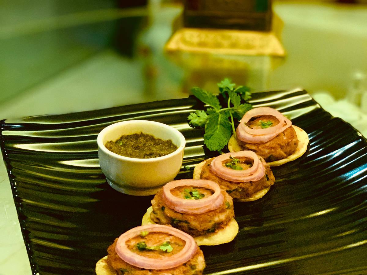 Veg Galouti Kebab & Ulte Tawe Ka Paratha