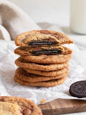 Mit Oreos gefüllte Kekse