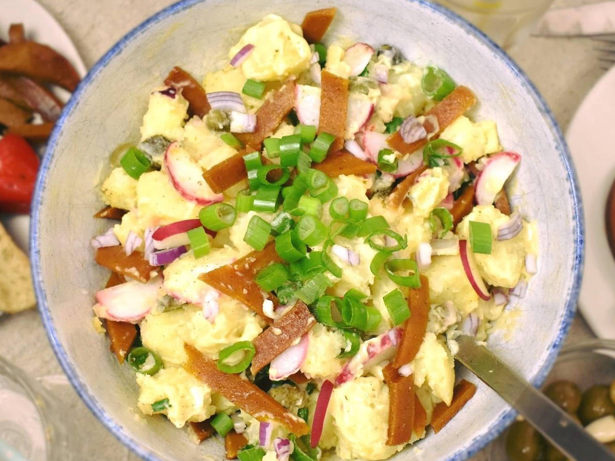 Veganer Kartoffelsalat mit Seitan