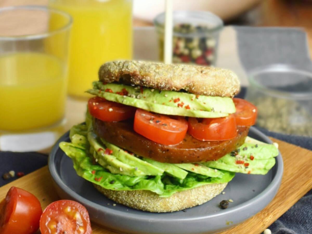 Veganer Frühstücksburger