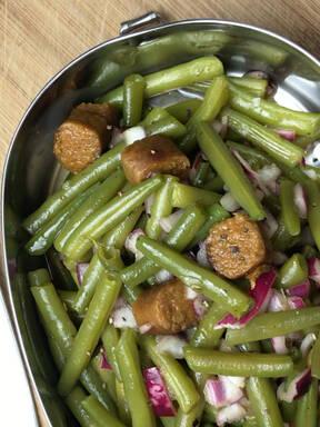Bohnensalat mit Seitan Würstchen