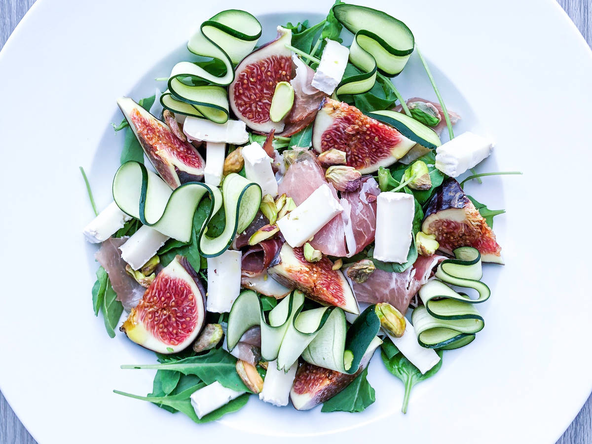 Wild Rocket Salad with Figs, Goats Cheese & Prosciutto