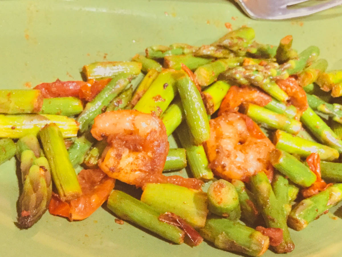 Cayenne Pepper Shrimp and Asparagus