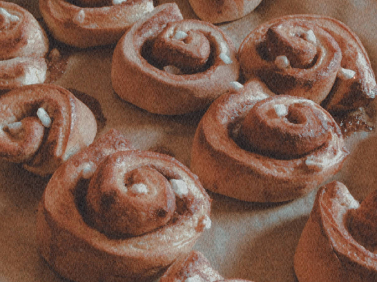 Kanelbullar : Swedish cinnamon rolls