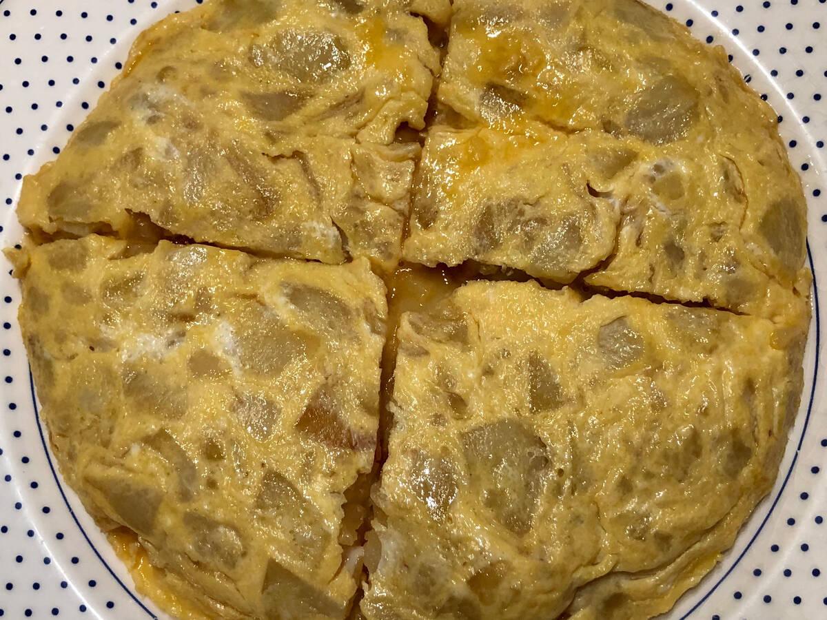 Spanish potato omelette / Tortilla de patatas