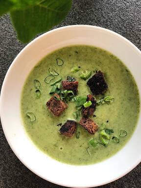 Bärlauch Suppe mit Croutons
