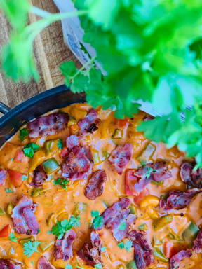 Creamy pepper and bacon sauce perfect for pasta