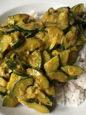 Erdnuss-Kurkuma Curry