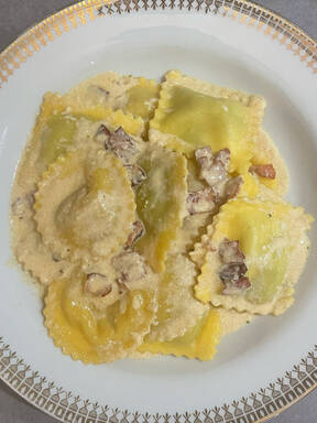 Tortellini mit Schinken-Sahne-Sauce