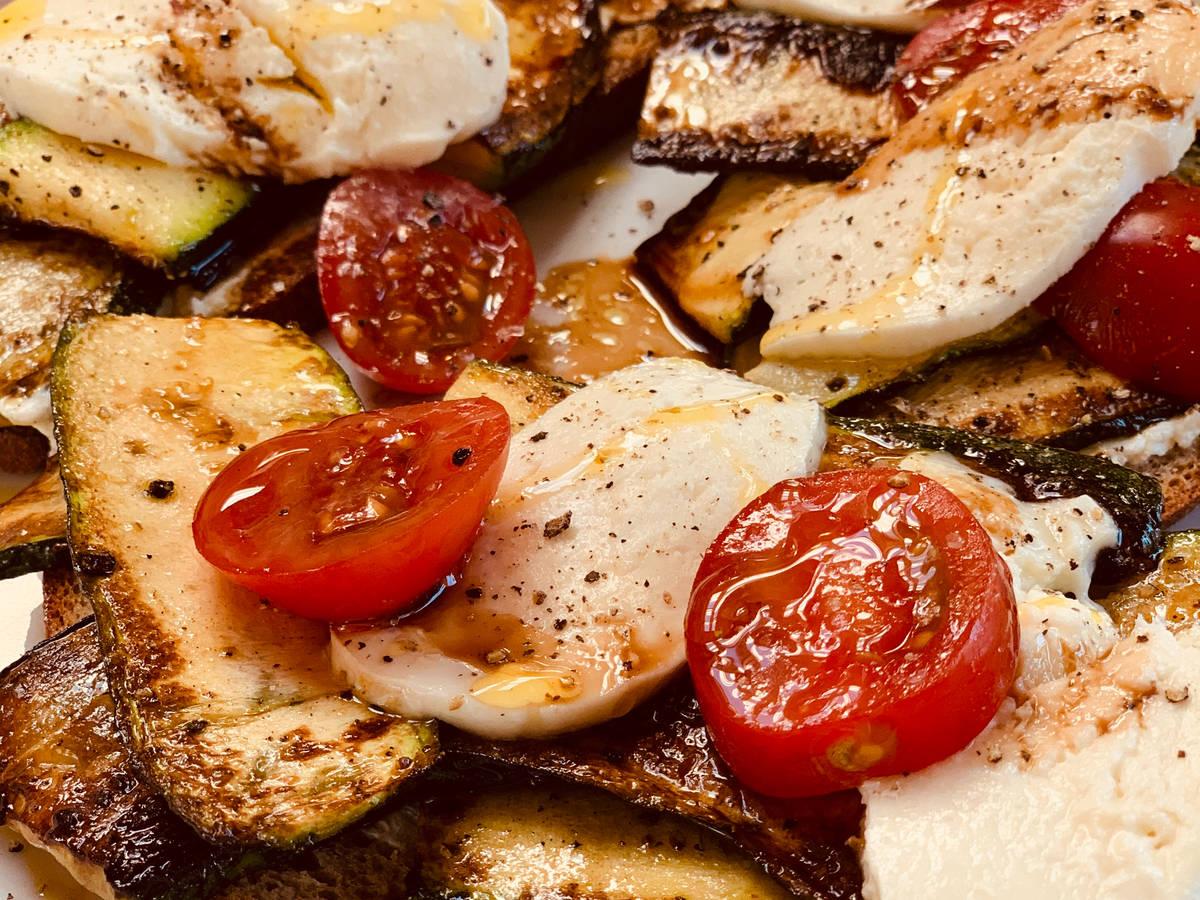 Fitness Brot Mozzarella Zucchini Tomate