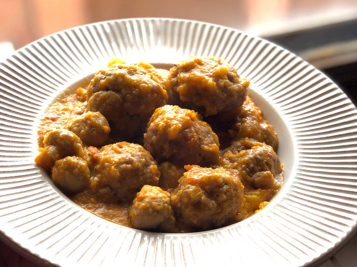 'Falsa Española sauce' Meatballs.