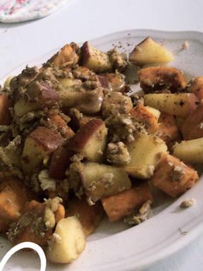 Süßes Süßkartoffel Rührei