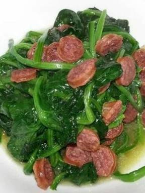 Spinach with sausage