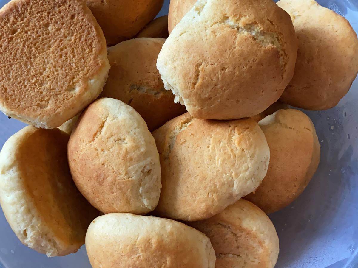 Mams Gurabija( Mamas kekse Albanisch)