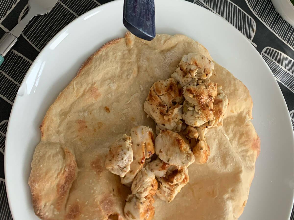 Lemon and herb chicken flatbread