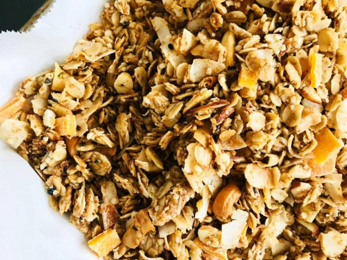 Healthy Coconut Cashew Granola