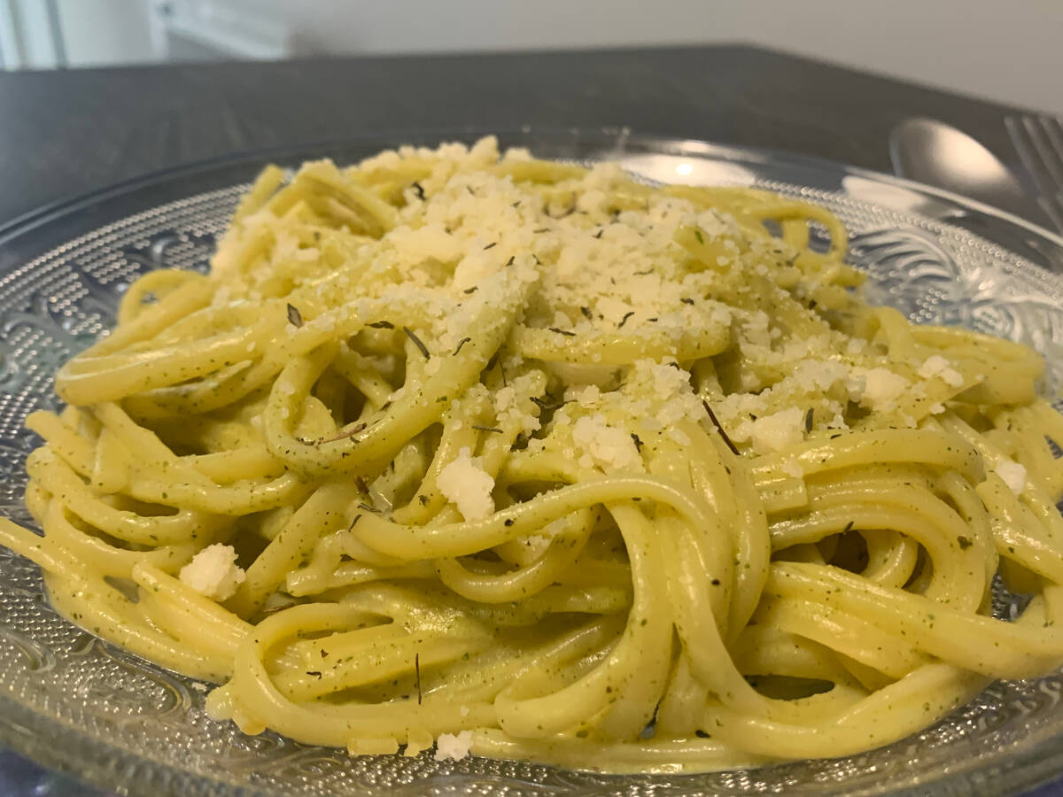 Spicy Zucchini Cream Linguine
