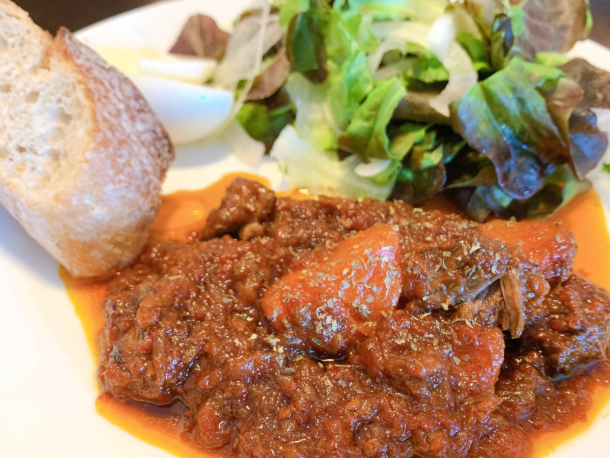 Beef finger ribs in tomato stew