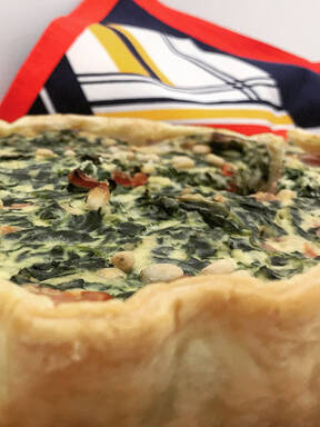 Salted cake with ricotta, spinach and peppers
