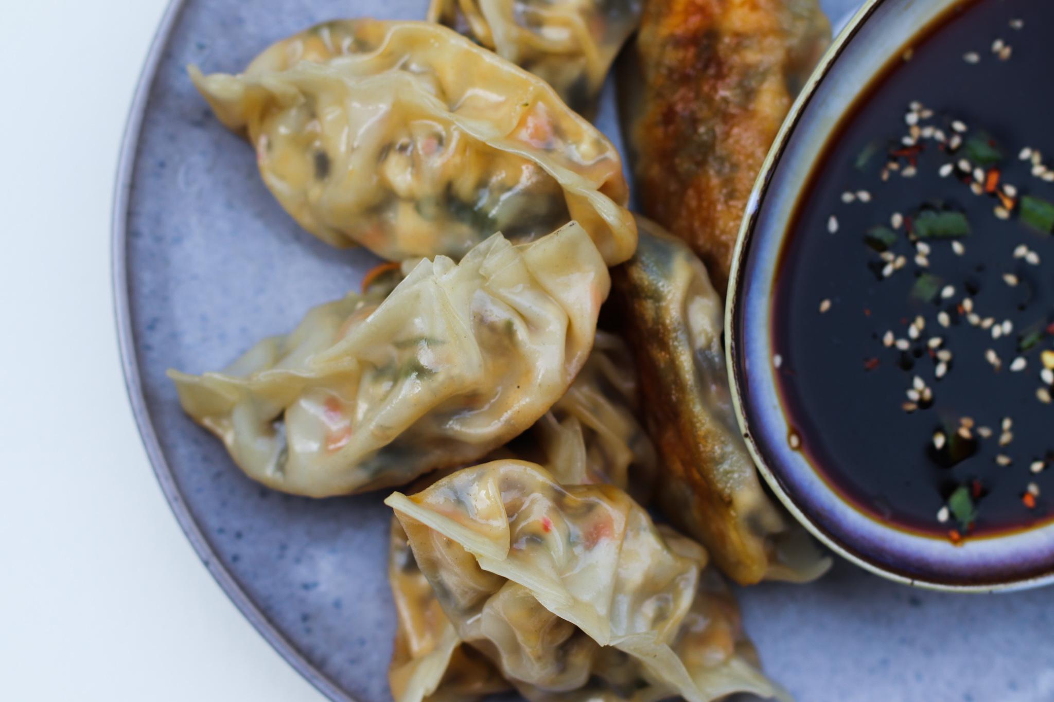 Crispy dumplings with Korean sea salad