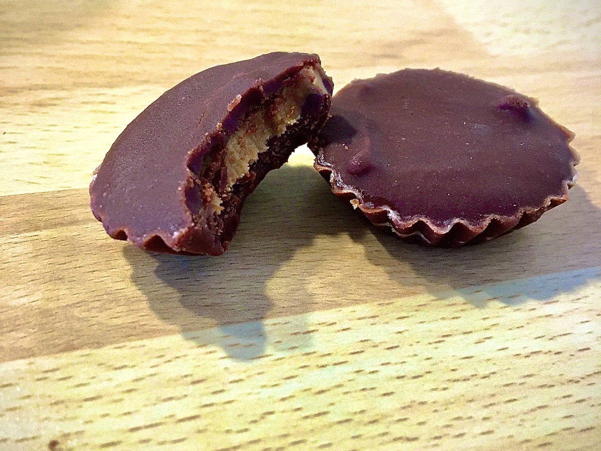 Homemade Reese's (peanut butter chocolate cups)