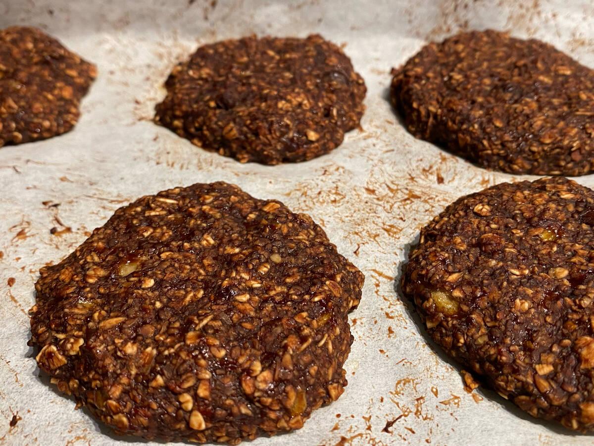 Healthy chocolate banana soft oatmeal cookies