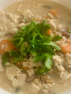 Stewed tofu with seafood soup 海鲜高汤焖豆腐