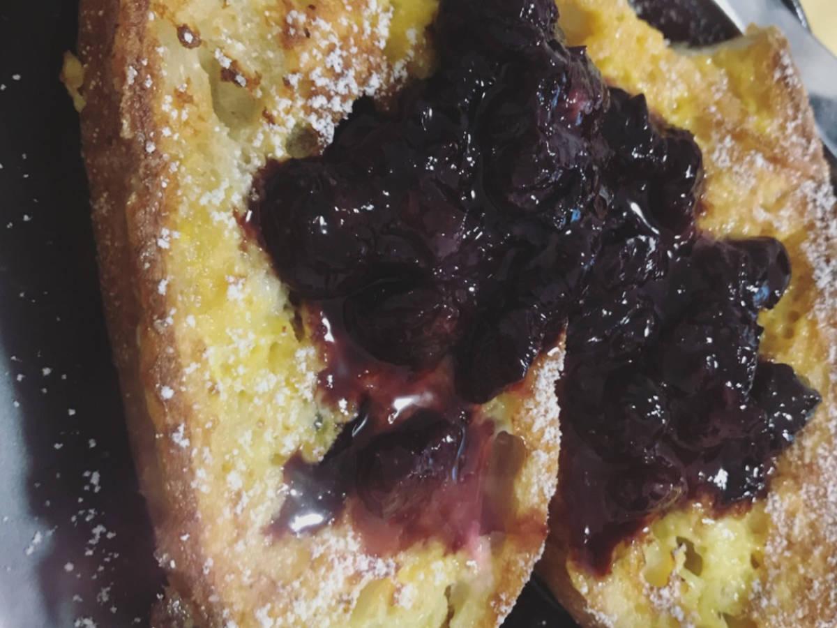 新鮮藍莓醬法式吐司