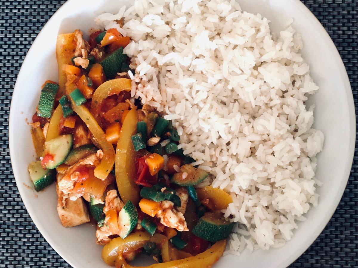 Hähnchen-Fajita mit Reis