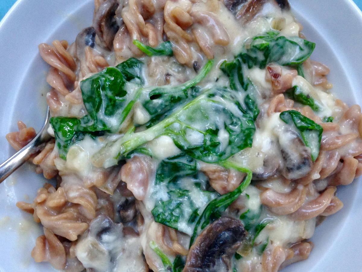 Creamy Cheesy Spinach Mushroom Pasta