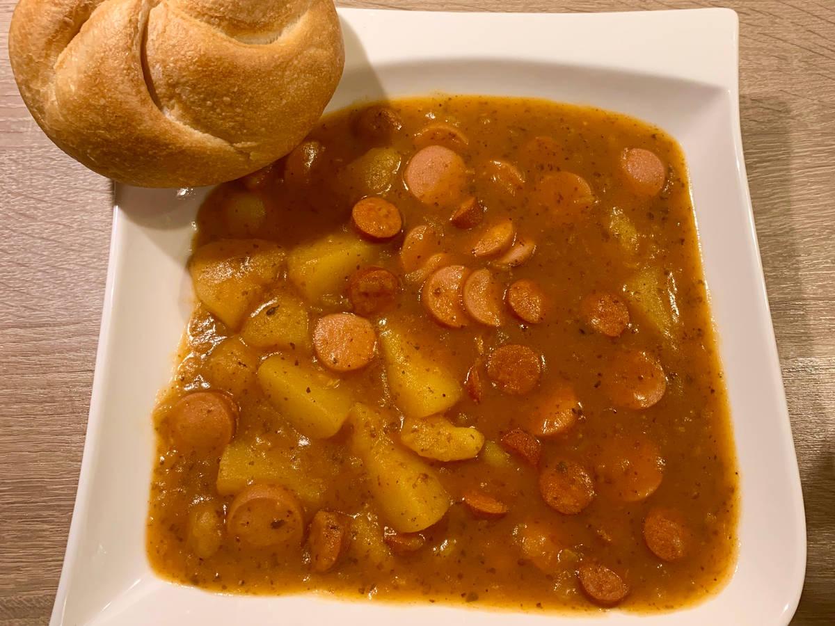 Kartoffel - Würstelgulasch