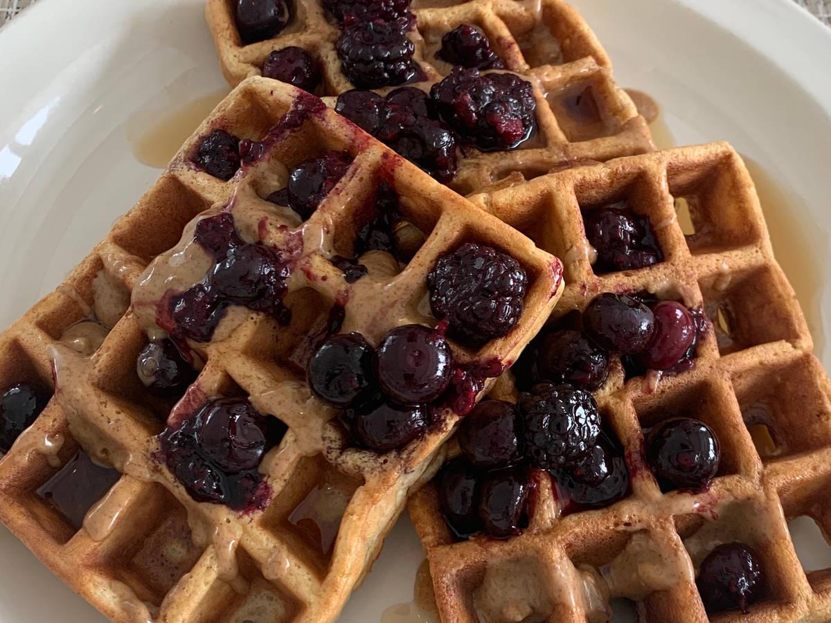 Fiber Waffles (eggs and wheat bran)