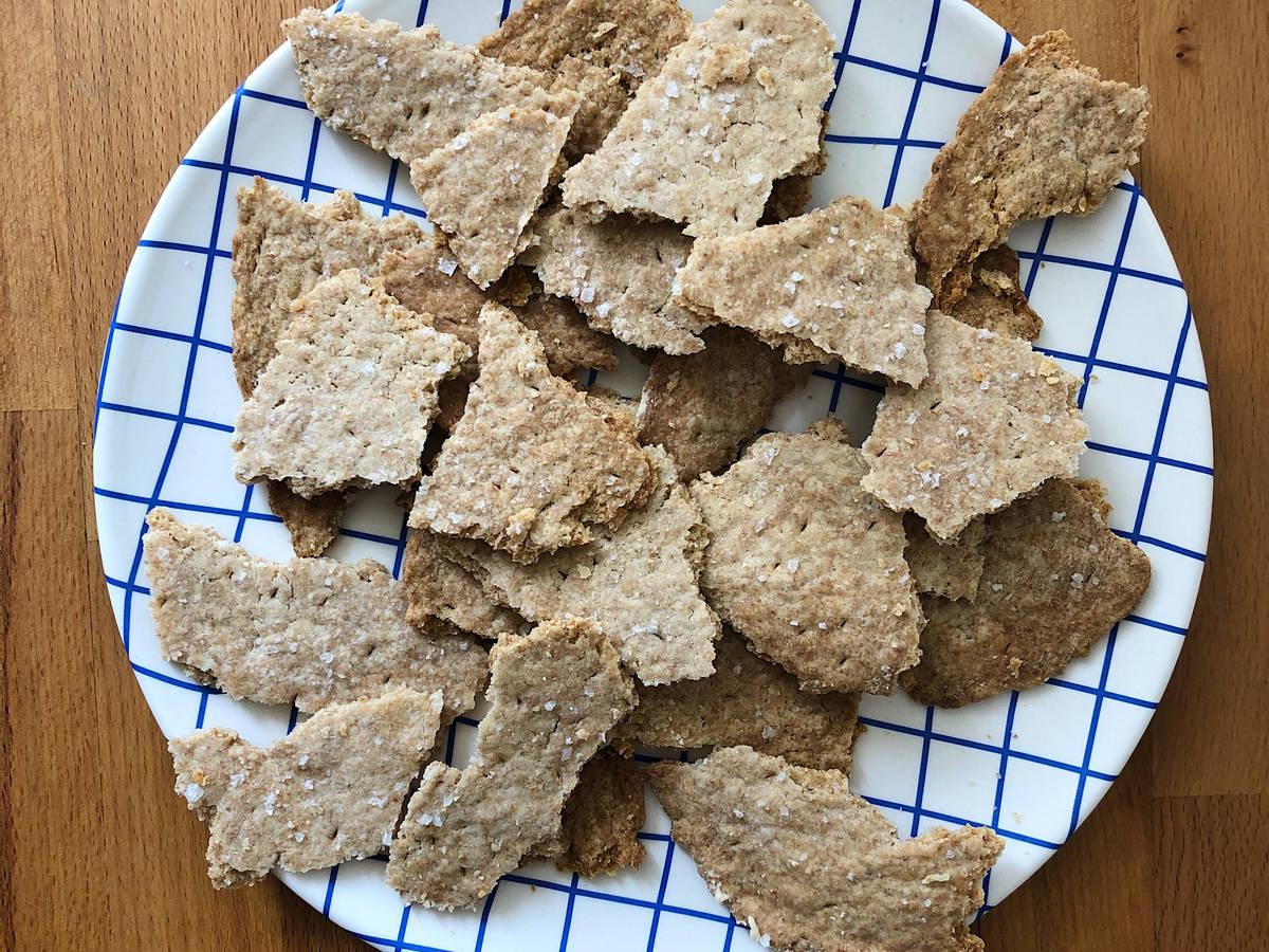 Knusprige Cracker aus Sauerteig-Resten