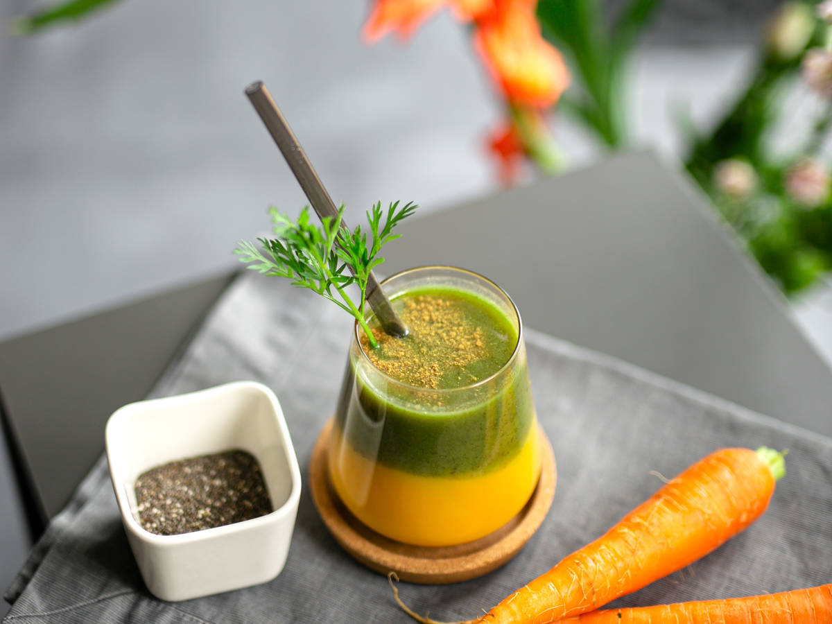 Smoothie mit Karottengrün